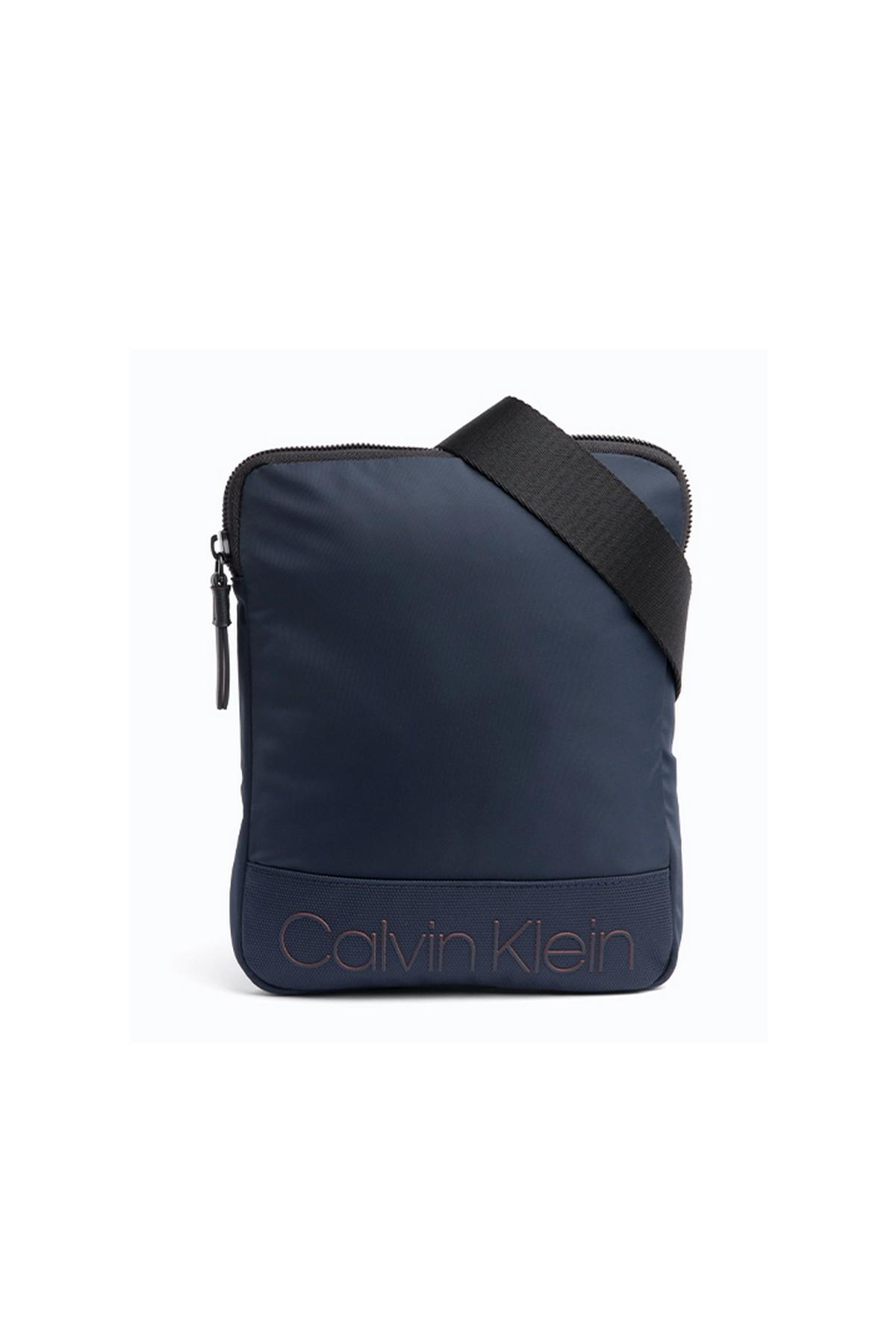 Calvin Klein Çapraz Askılı Çanta Lacivert (ZM0ZM01212-BAI)